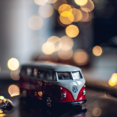 photo-of-red-and-white-toy-car-1196838 (1)
